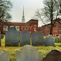 2/5/2013 tarihinde Cory S.ziyaretçi tarafından Copp's Hill Burying Ground'de çekilen fotoğraf