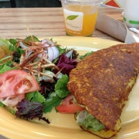 Photo taken at Pica Pica Maize Kitchen by Saintvictoria on 8/28/2013