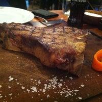 4/20/2013 tarihinde Taylanziyaretçi tarafından Günaydın Steakhouse'de çekilen fotoğraf