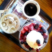 Photo taken at Caffe Bene by Lauren R. on 9/17/2013