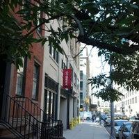 Photo prise au 180 Varick Street par Jaye Lee P. le9/17/2012
