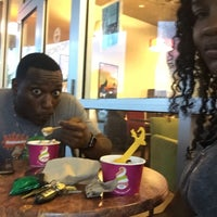 Photo taken at Menchie's Frozen Yogurt by Chafeeza B. on 6/13/2016