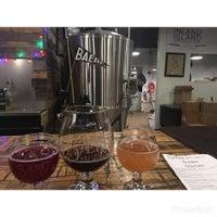 Foto tomada en Baere Brewing Co. por Sarah W. el 12/24/2016