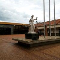 Photo taken at Poder Judicial by Osvaldo D. on 1/10/2017