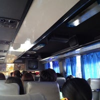 Das Foto wurde bei Khon Kaen Bus Terminal von Yungying Y. am 10/22/2012 aufgenommen