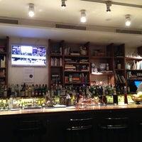11/10/2012 tarihinde Katya R.ziyaretçi tarafından Dry Martini'de çekilen fotoğraf