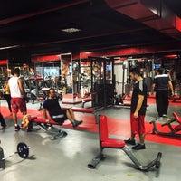 12/2/2015 tarihinde Sporcity Fitness Spa Fight Clubziyaretçi tarafından Mall of İstanbul'de çekilen fotoğraf