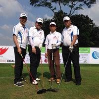6/23/2013 tarihinde Rakhmadi K.ziyaretçi tarafından Royale Jakarta Golf Club'de çekilen fotoğraf