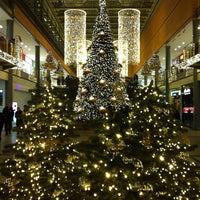 Foto tirada no(a) Potsdamer Platz Arkaden por Jenny em 12/26/2012