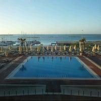 Foto tirada no(a) Real Marina Hotel & Residence por Suncica B. em 10/23/2012