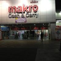 Photo taken at Makro by Phatphicha T. on 10/13/2012