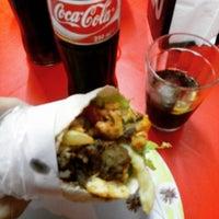 Photo taken at Califas - shawarmas e esfihas by Luiz F. on 5/19/2016
