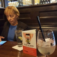 Photo taken at TGI Fridays by Fred L. on 10/14/2016