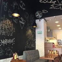10/6/2017 tarihinde Ahu K.ziyaretçi tarafından Bubada Club Sandwich and Burger'de çekilen fotoğraf