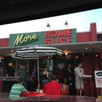 Foto scattata a More Home Slice da Roxanna L. il 12/9/2012