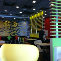 12/15/2012 tarihinde Sergey S.ziyaretçi tarafından McDonald's'de çekilen fotoğraf