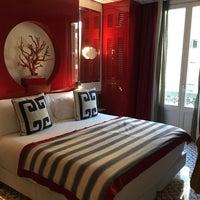 Das Foto wurde bei Hotel Room Mate Anna von Sonam T. am 11/27/2017 aufgenommen