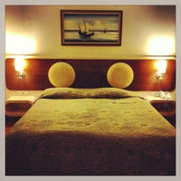 Photo taken at Queen Elizabeth Elite Suite Hotel by Катюша💞 on 7/10/2013