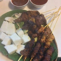 Photo prise au Satay Station Original satay Recipe par Syafiq S. le11/30/2014