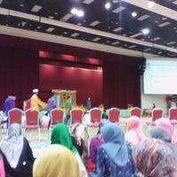 Photo taken at Dewan Sri Perdana KSKB SAS by Hidayah Abdul Latif (. on 7/11/2014