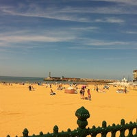 Photo taken at Margate Main Sands by María C. on 7/15/2013