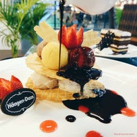 Photo taken at Häagen-Dazs by Andy H. on 1/27/2017
