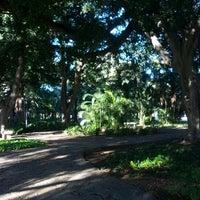 Foto diambil di Jardines de Picasso oleh Rafa E. pada 12/26/2012
