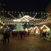 12/16/2013 tarihinde Will L.ziyaretçi tarafından Distillery Sunday Market'de çekilen fotoğraf