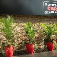 Foto tirada no(a) Ruth's Chris Steak House por Will L. em 7/20/2013
