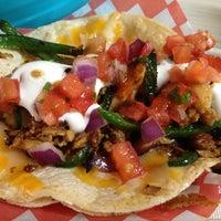 Foto tirada no(a) Seven Lives Tacos Y Mariscos por Will L. em 11/4/2012