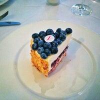 Снимок сделан в Vogue Café пользователем Anastasia B. 6/5/2013