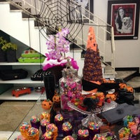 Photo taken at Simply Pet by MITIE S. on 10/26/2013