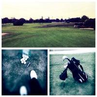 Das Foto wurde bei Golfanlage Rennbahn Frankfurt Niederrad von Nadja P. am 5/21/2014 aufgenommen