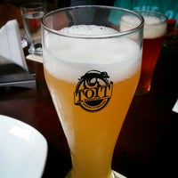 Photo taken at Toit Brewpub by Nithin R. on 7/2/2013