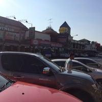 Photo taken at Ban Bang Pakong by ゆうか on 2/24/2015