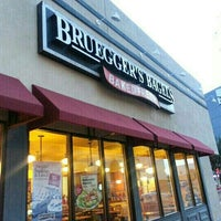 Photo taken at Bruegger's Bagels by Laurie J. W. on 3/11/2013