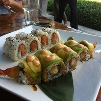 Foto tomada en Sushi Maki Coral Gables por Stephanie el 12/20/2012