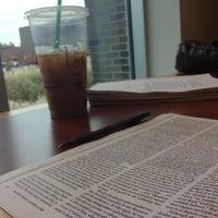 Снимок сделан в Purchase College Library пользователем Emily Nicole 10/23/2012