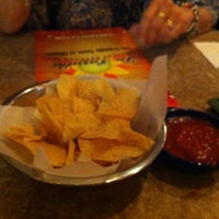 Foto tomada en La Parrilla Mexican Restaurant por Viviana V. el 3/17/2013