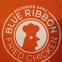 9/3/2013 tarihinde John-Paul L.ziyaretçi tarafından Blue Ribbon Fried Chicken'de çekilen fotoğraf
