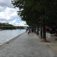 Photo taken at Paris Plages – Bassin de la Villette by Matthieu on 8/6/2016