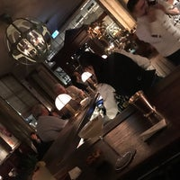 Photo prise au Scarfes Bar par Laura C. le3/5/2018