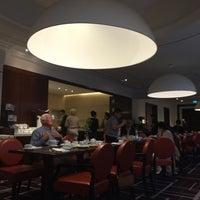 Das Foto wurde bei Westin Grand - Restaurant Coelln von Ludwig P. am 5/4/2017 aufgenommen