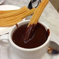 Foto tomada en Chocolatería San Ginés por cristina c. el 7/16/2013