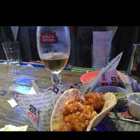 Photo taken at Hurricane Grill & Wings by Tye M. on 11/24/2012