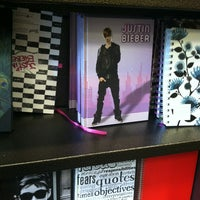 Photo taken at Barnes & Noble by Emma Z. on 1/21/2013