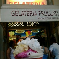Foto scattata a Gelateria Old Bridge da Amika O. il 7/28/2013