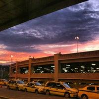 Photo taken at Rio de Janeiro–Galeão International Airport (GIG) by Mário Eduardo R. on 6/30/2013