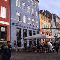 Photo taken at Nyhavns Færgekro by Lisa E. on 11/23/2012