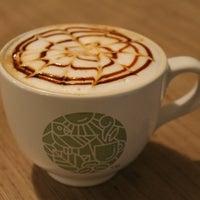 Снимок сделан в Custom Coffee пользователем Денис С. 4/11/2013